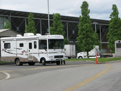 motorhome at the Canadian - US border
